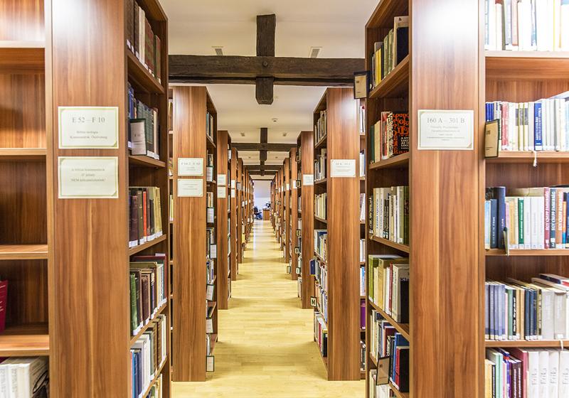Mobilier bibliotecă